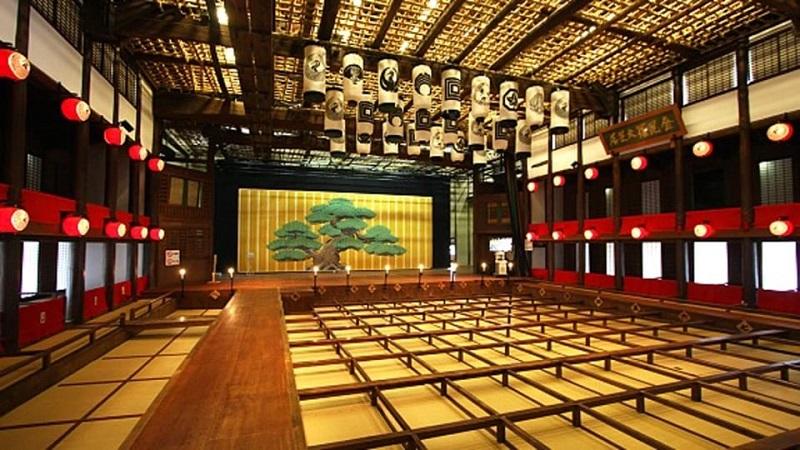 تئاتر سنتی