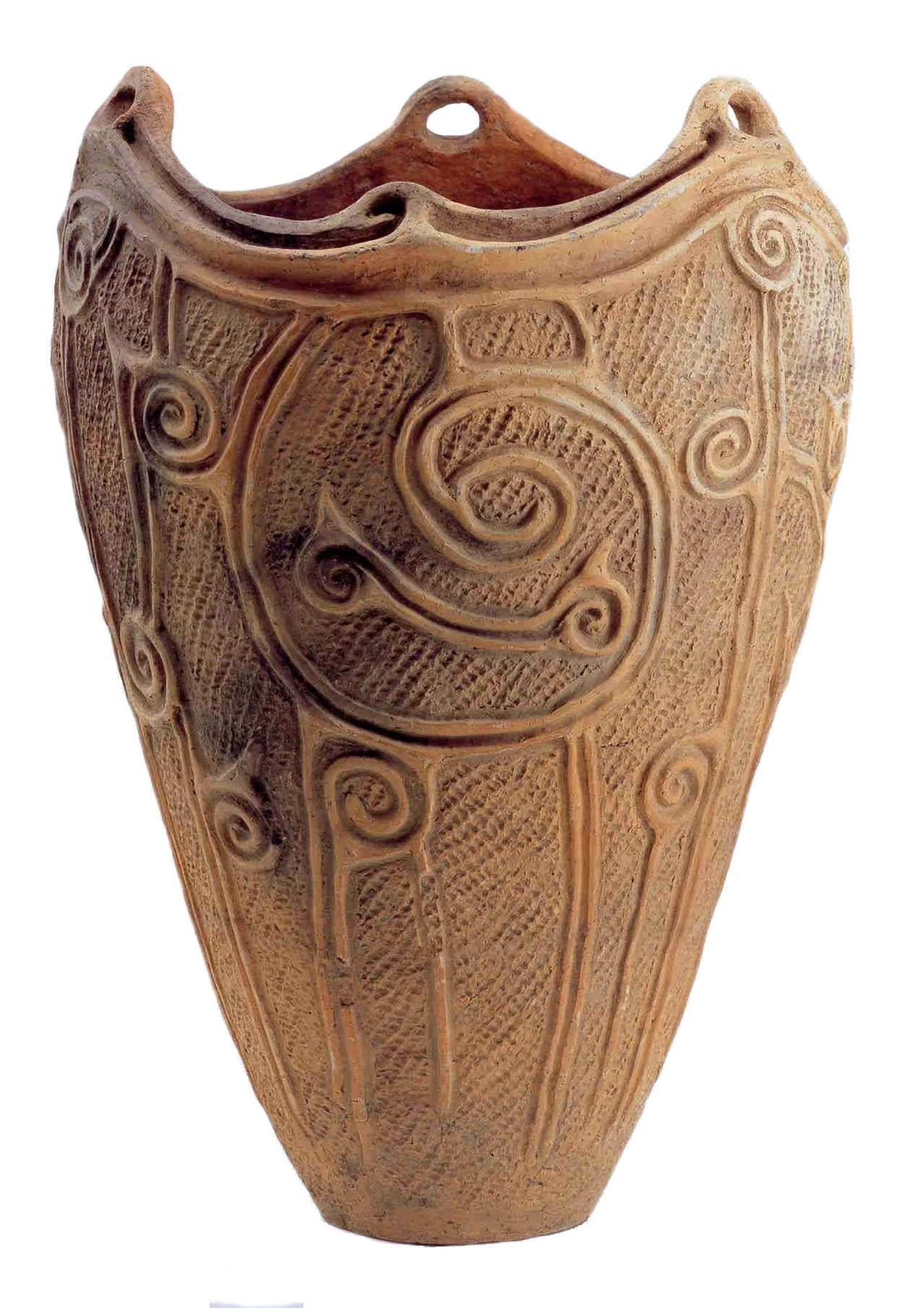 A container with spiral patterns excavated from a site in Morioka, Iwate Prefecture. (Courtesy Morioka Archeological Site Study Museum)